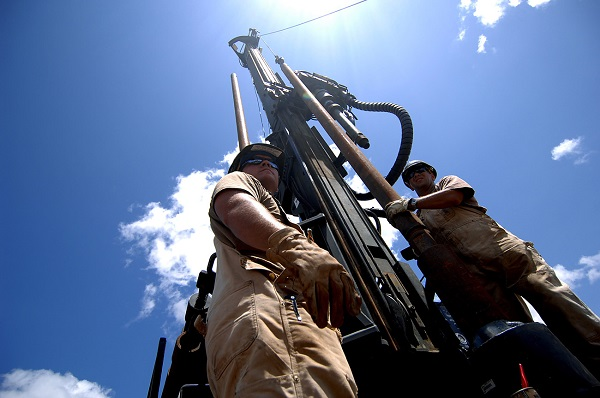 Добыча нефти и газа : технология